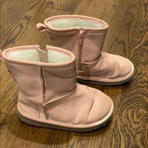 Baby gap girls pink ugg style boots size 10.